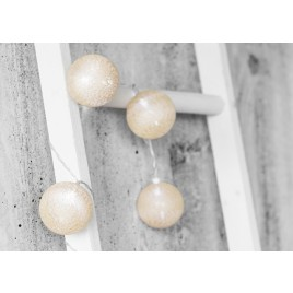 Puuvillast Led  valguspallid